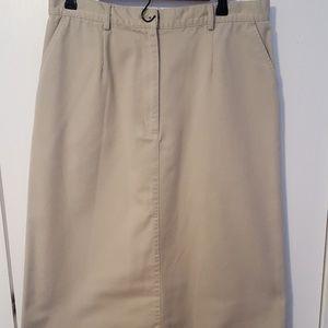 L.L.Bean cream khaki skirt, size 16 Petite. EUC